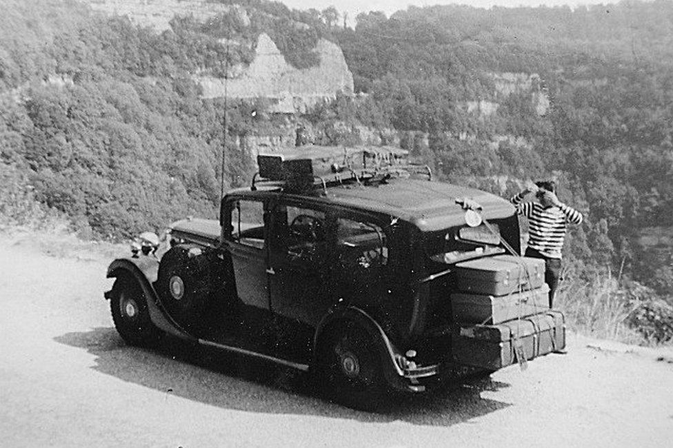 A 1935 Daimler limousine