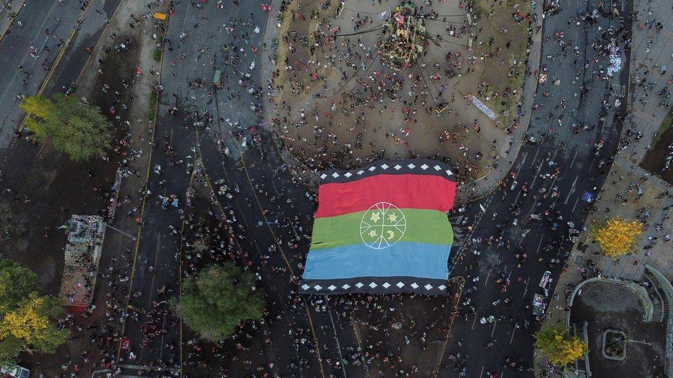 Vista aérea de la Plaza Italia en Santiago de Chile