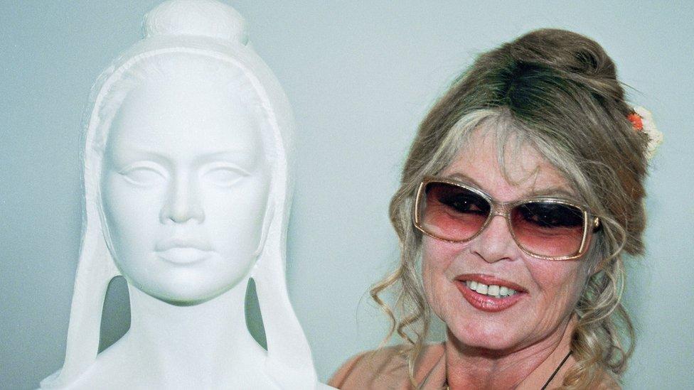 Brigitte Bardot with a model of Marianne in 1993