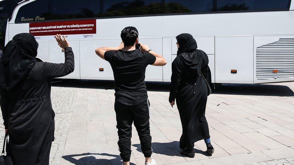تركيا تقول إنها تريد إعادة توطين مليون لاجئ سوري