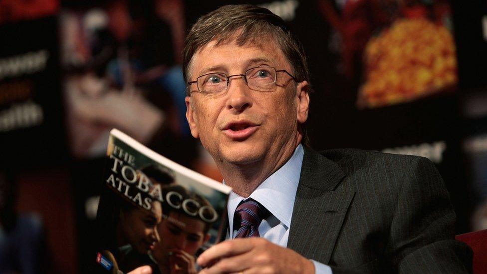 Bill Gates okumaya önem veren isimlerden.