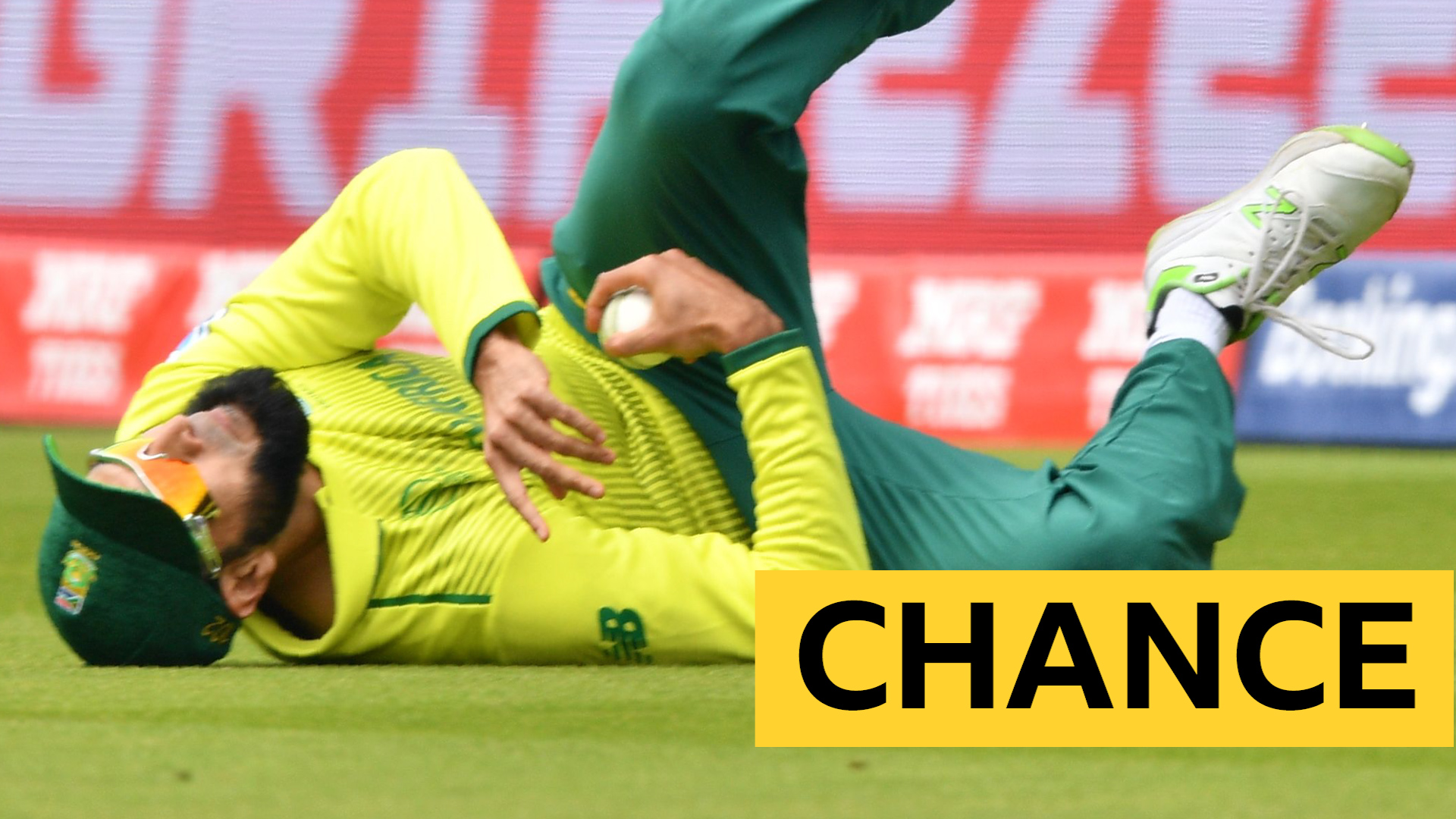 "Cricket World Cup: Out or not out? Umpires reprieve Fakhar after Tahir's ""catch"""