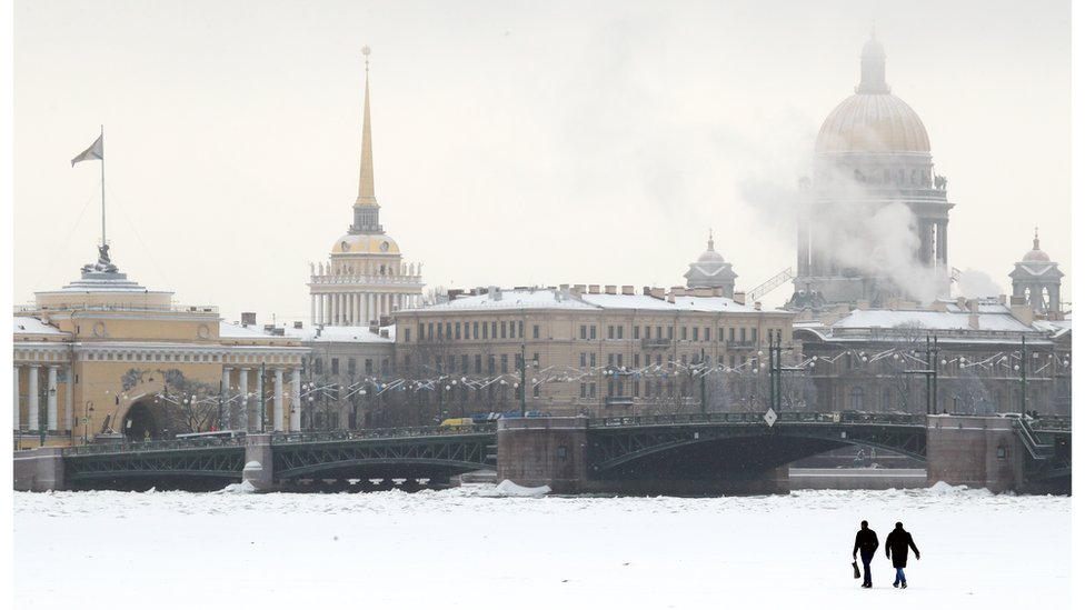 В Петербурге полиция задержала 13 депутатов. Как так получилось?