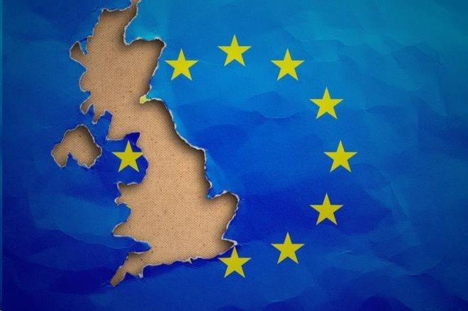 按照現有的法規,英國將在10月31日格林尼治標凖時間23:00脫離歐盟。