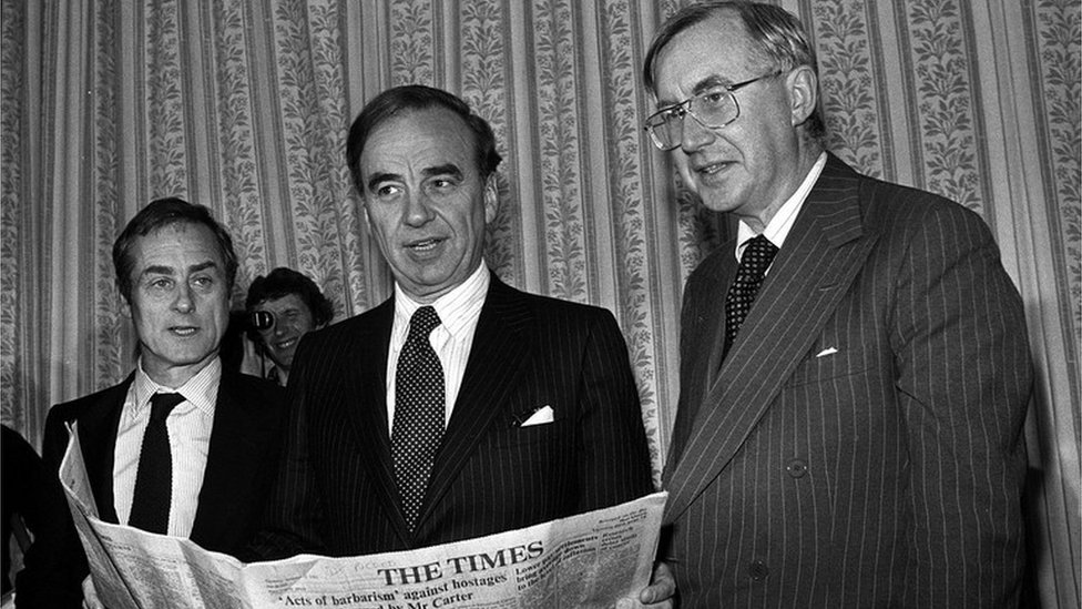 Harold Evans, Sunday Times Editor; Australian press magnate Rupert Murdoch and William Rees-Mogg, The Times Editor