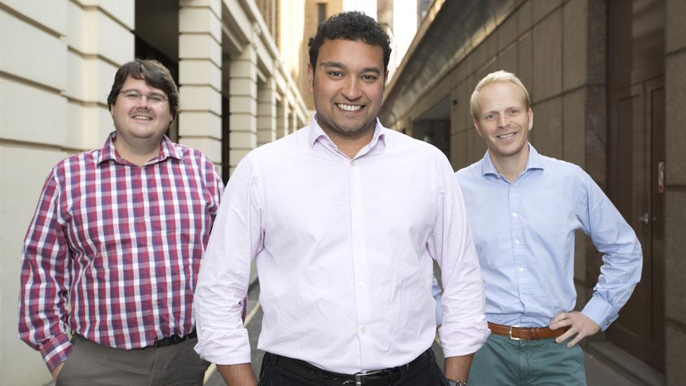 soldan sağa Andrew Mullinger, Samir Desai ve James Meekings