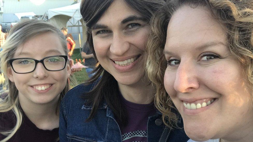 Ashley (izquierda) Zoe (centro) y Amanda (derecha).
