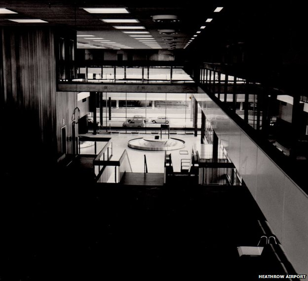 Baggage collection hall in 1969