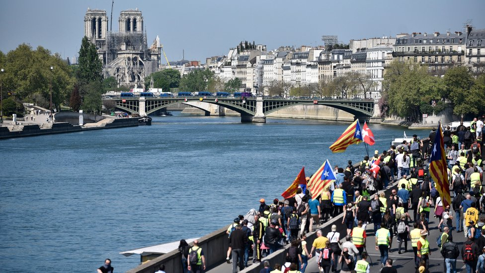 Во Франции начались новые протесты