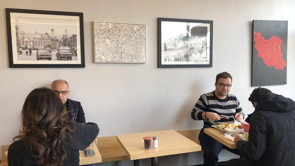 Un restaurante en Tehrángeles
