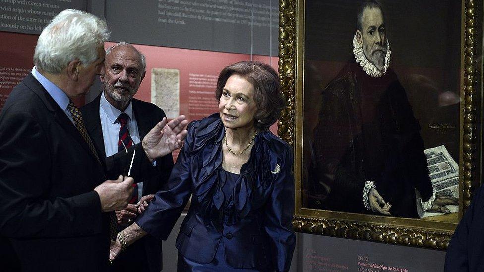 La reina Sofía, durante la inauguración de una exposición sobre El Greco, en Atenas.