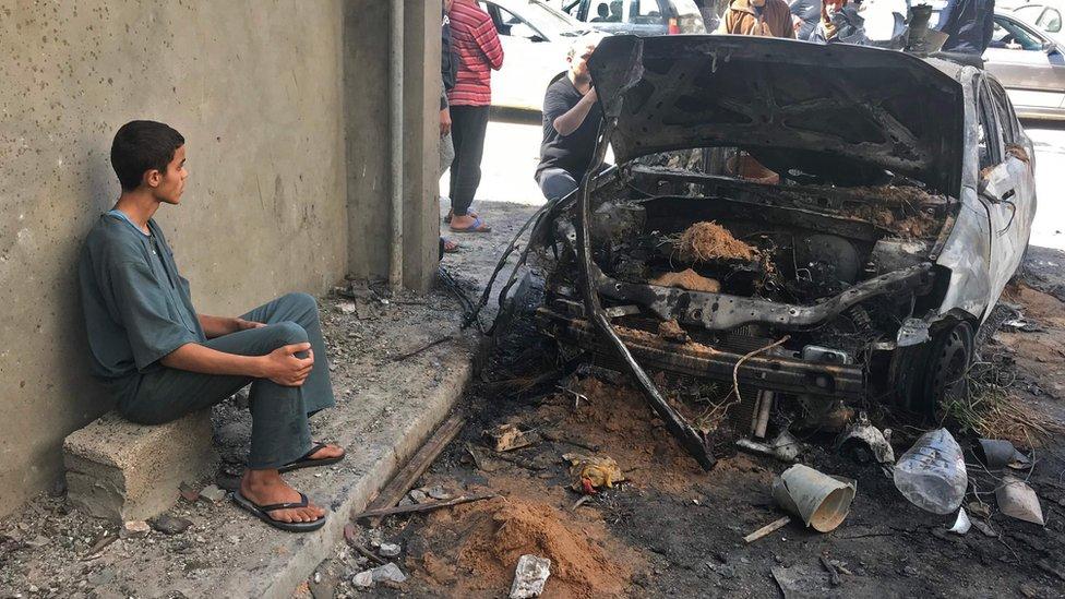 آثار قصف في طرابلس