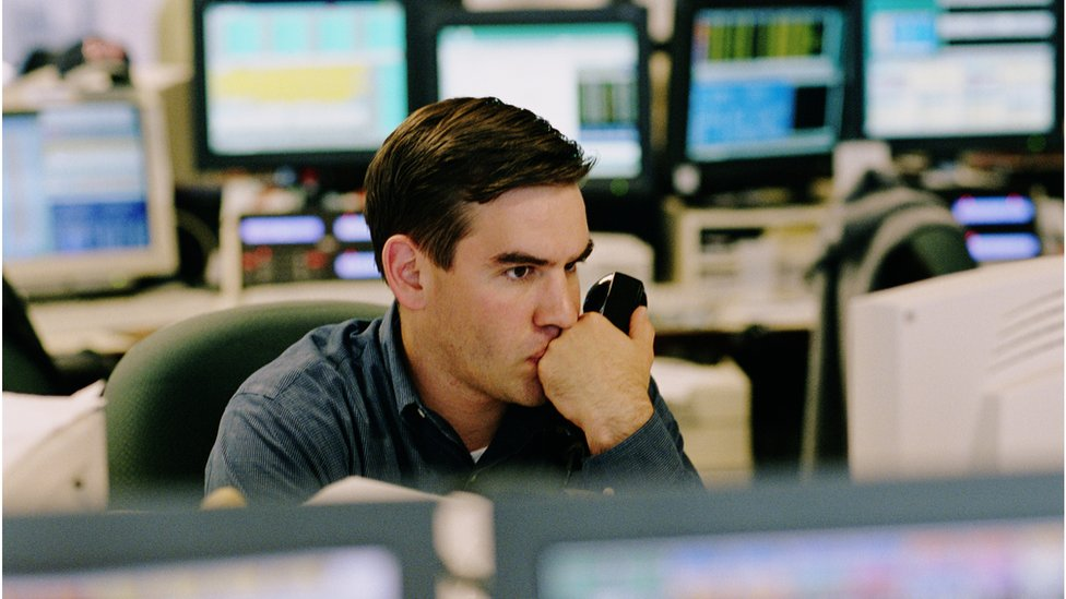Un analista financiero