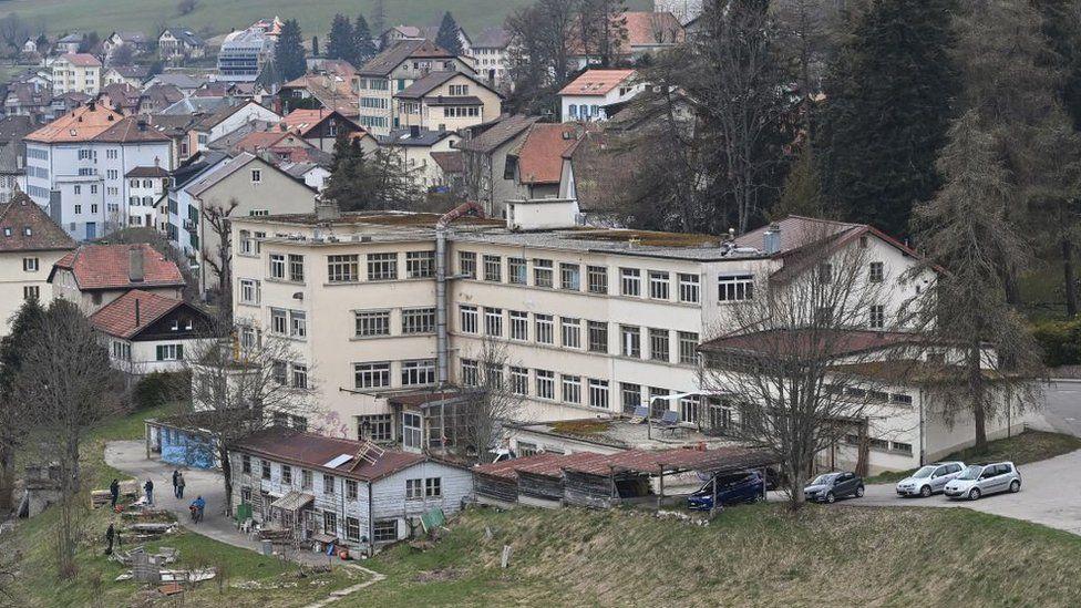 قرية سانت كروا الحدودية في سويسرا