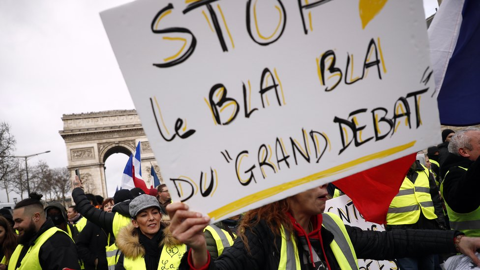 """Protesters on 26 January in Paris complain at the """"Blah Blah"""" of the Grand Debate"""