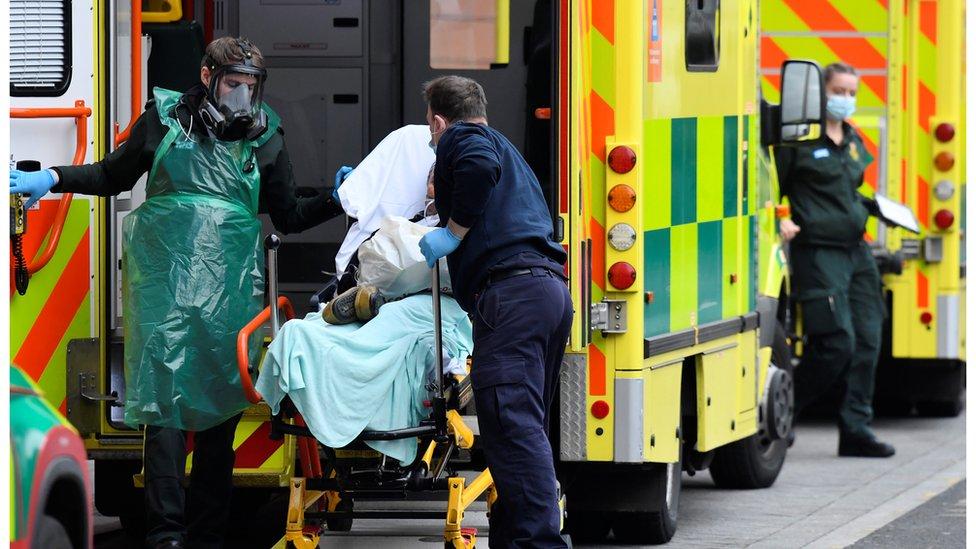 過去周二,英國入院人數破單日紀錄。