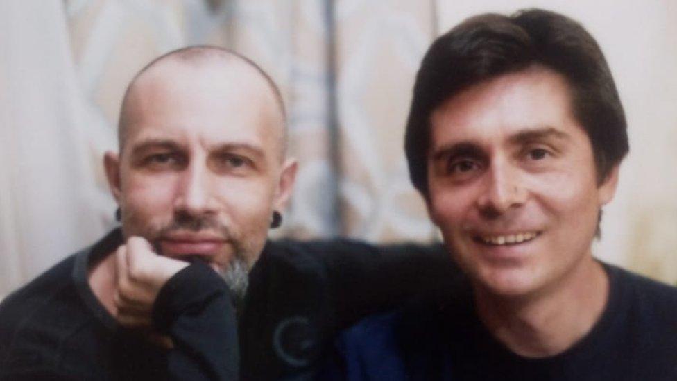 Daniel Díaz y un amigo en Barcelona