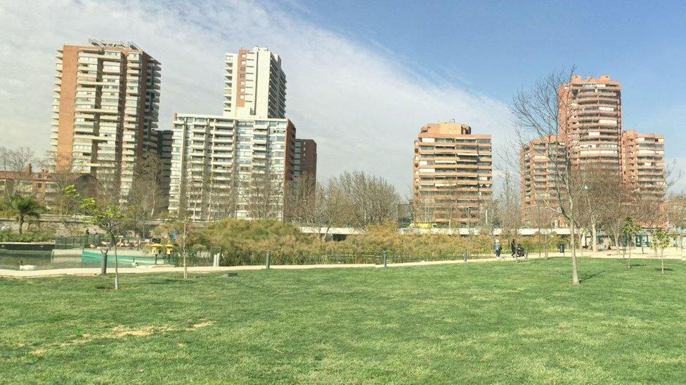 El precio del metro cuadrado del barrio Vitacura de Santiago de Chile creció en los últimos años por el boom inmobiliario en el país.