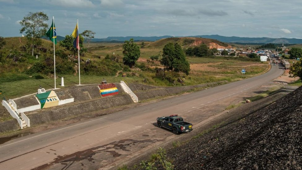 La frontera entre Santa Elena, Venezuela, y Pacaraima, Brasil