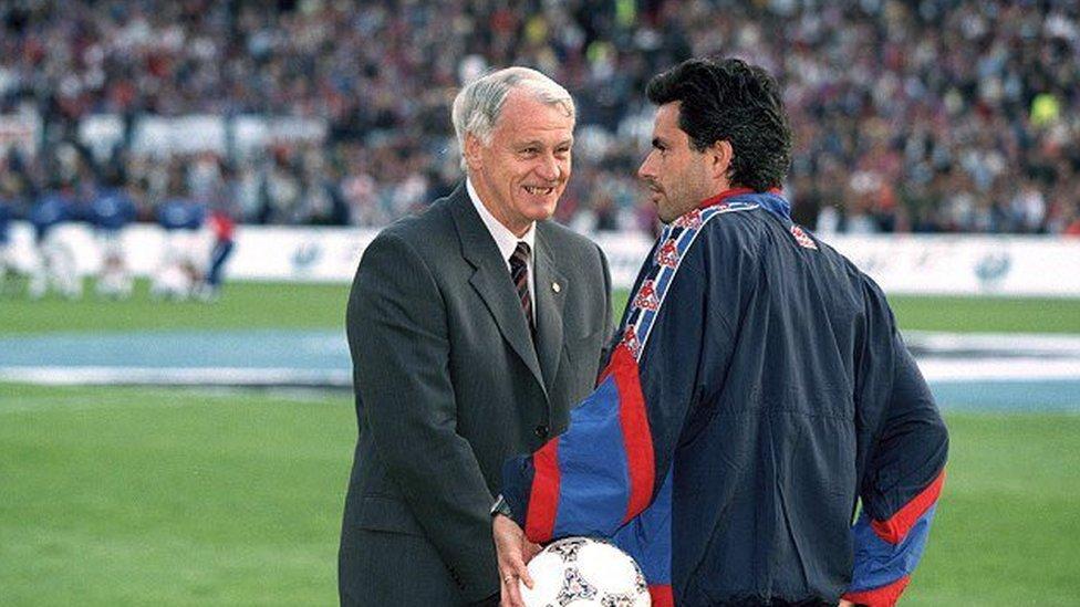 مورينيو وبوبي روبسون