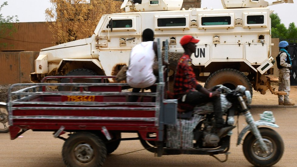 UN vehicle
