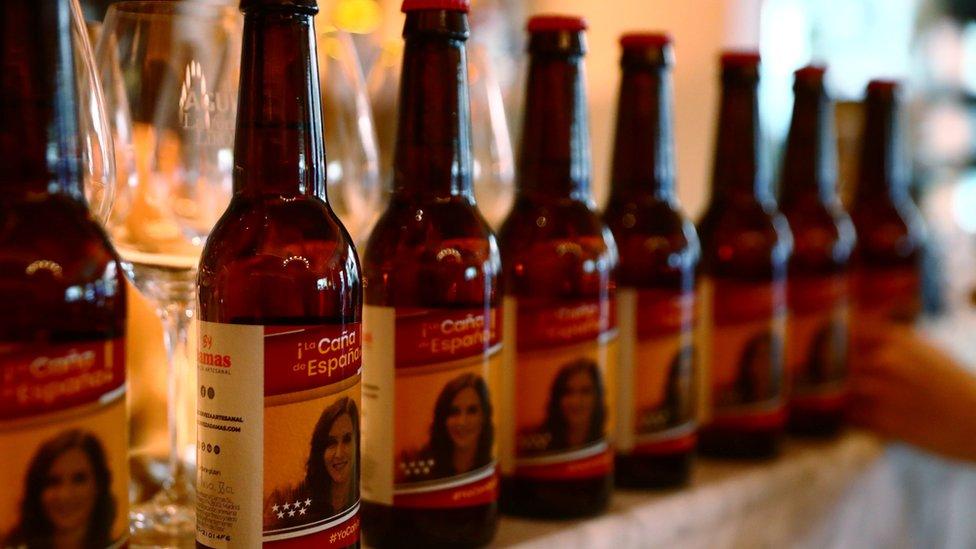 Cervezas von la imagen de Isabel Díaz Ayudo