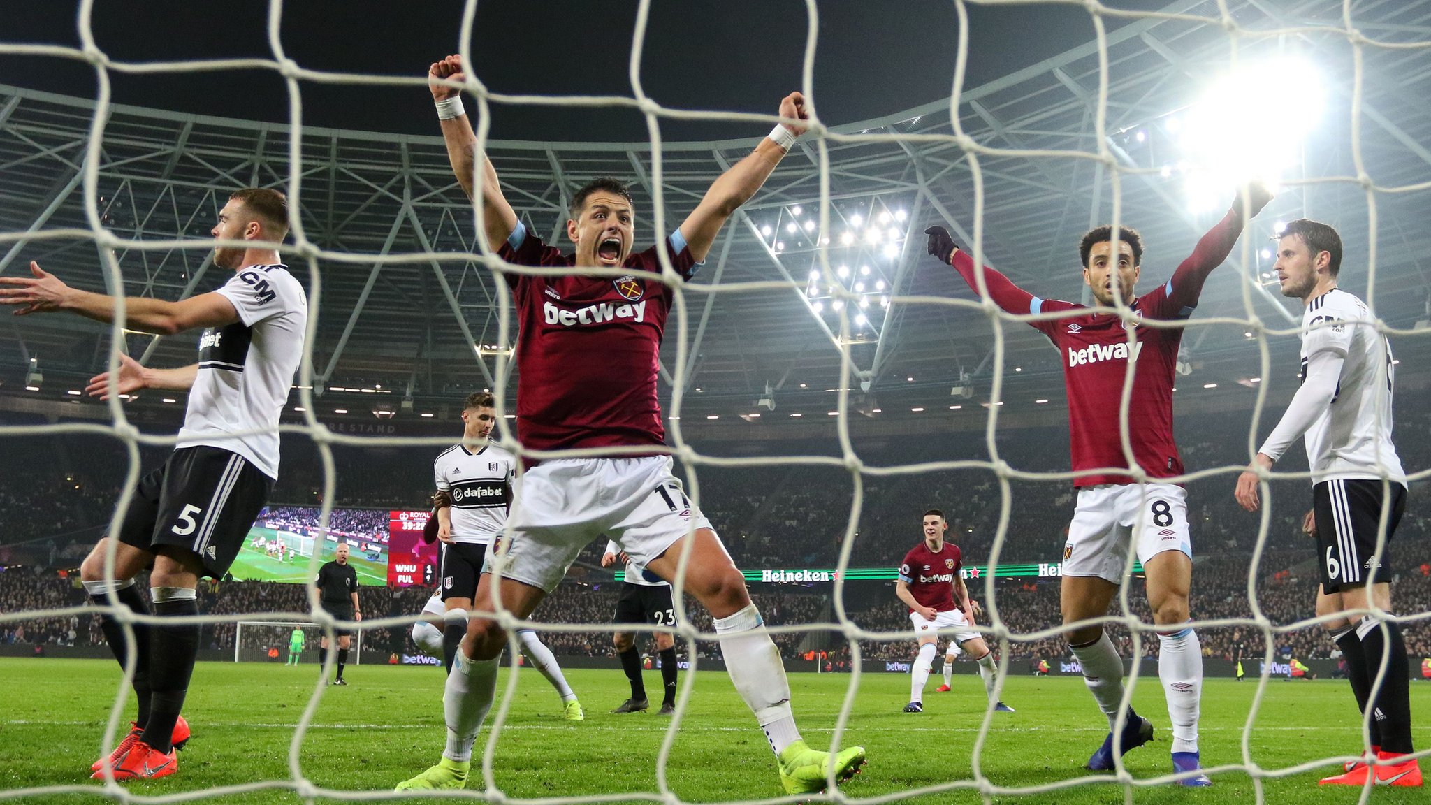 Hernandez 'handball' helps West Ham beat Fulham