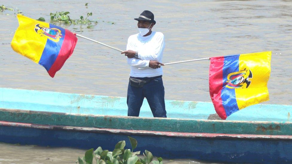 Pescador con banderas