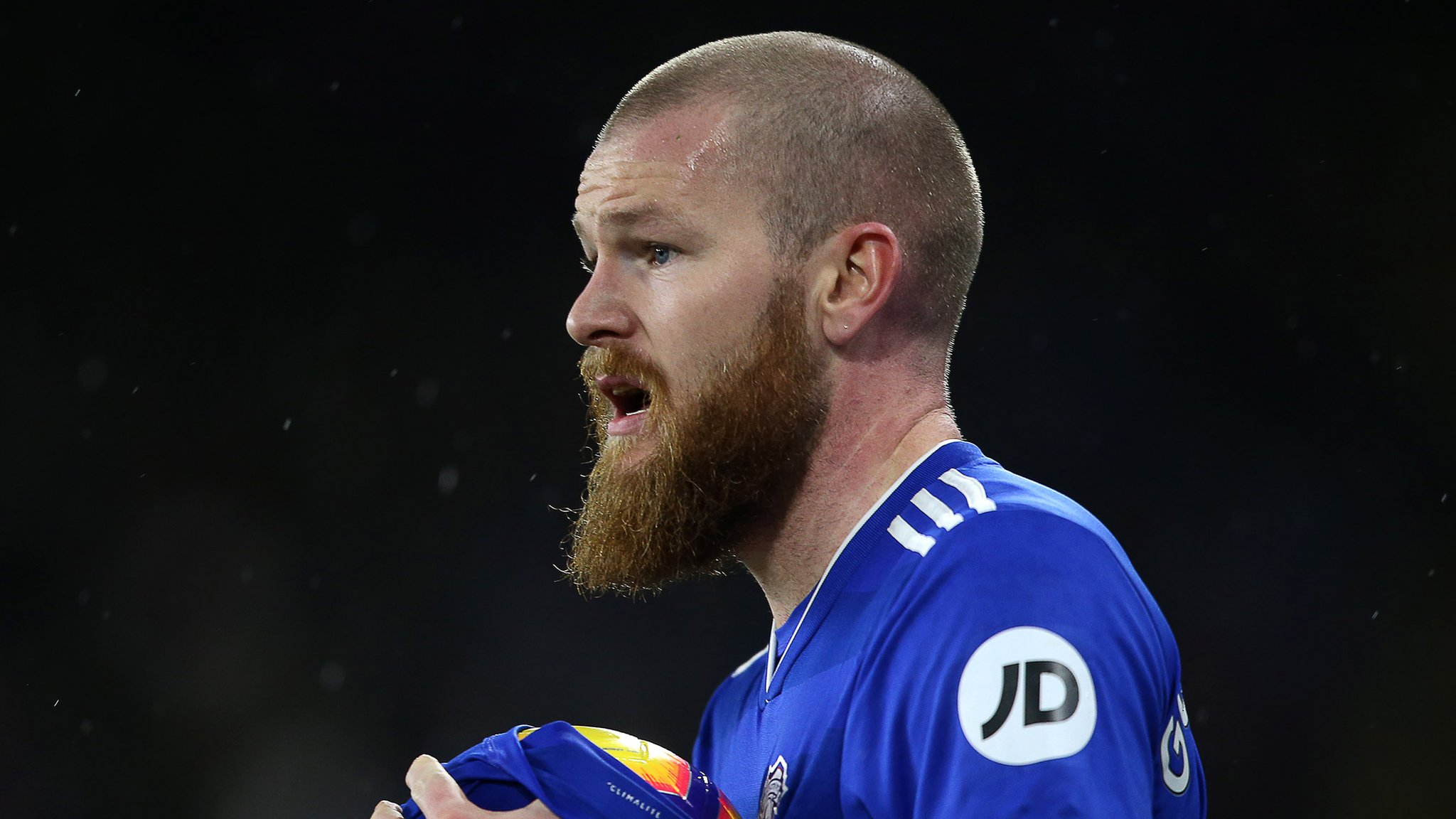 Aron Gunnarsson: Cardiff City midfielder to join Al-Arabi at end of season