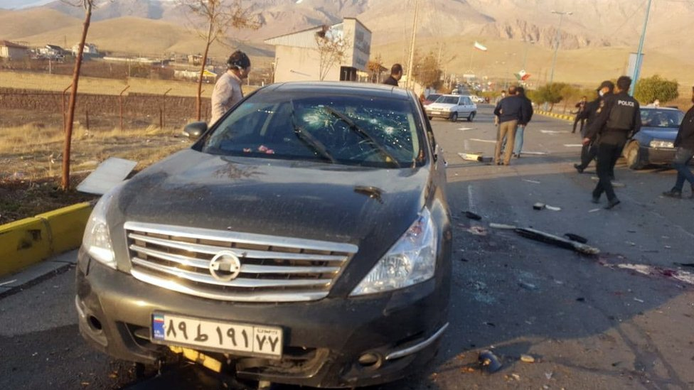 A handout photo made available by Iranian state TV shows the scene of the killing of Iranian nuclear scientist Mohsen Fakhrizadeh (27 November 2020)