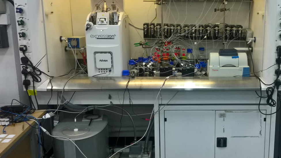 The robot chemist that does its own research