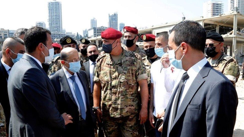 الرئيس اللبناني ميشال عون زار المرفأ المدمر وتعهد بمحاسبة المسؤولين والمقصّرين
