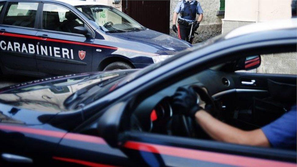 سيارات شرطة في كلابريا