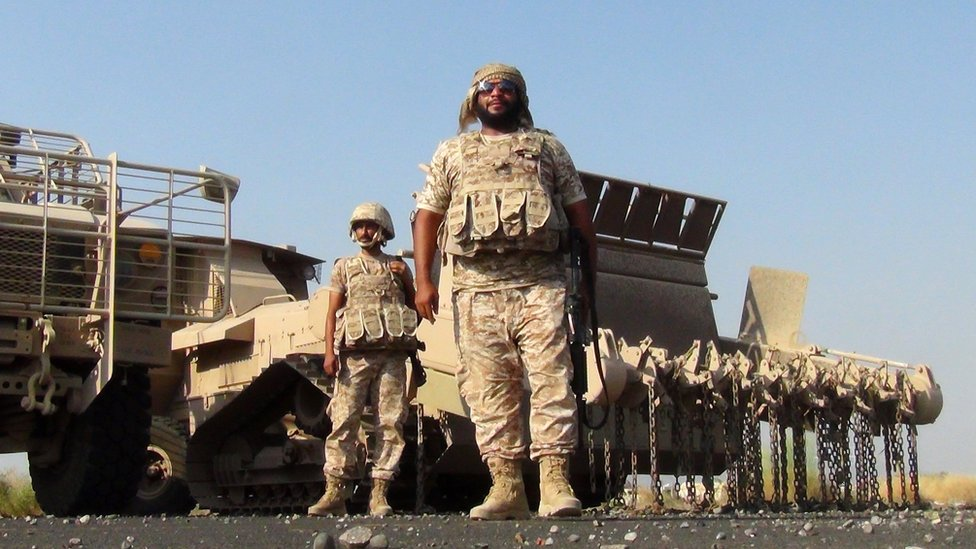 Emirati soldiers at al-Anad airbase in the southern Yemeni province of Lahj (5 October 2015)