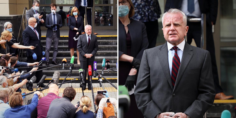 Američki ambasador Džon Saliven ispred sudnice posle izricanja presude Polu Velanu