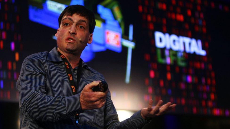 El profesor de psicología Dan Ariely, autor de tres libros bestseller de The New York Times y un popular conferencista TED.