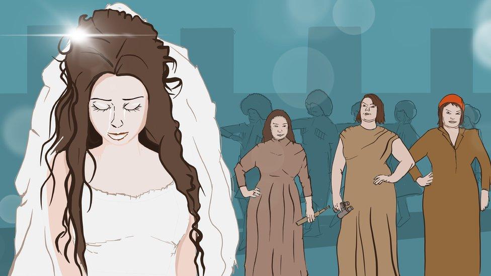 Tužna mlada na dan njenog venčanja, u pozadini se vide tri žene sa strogim pogledima
