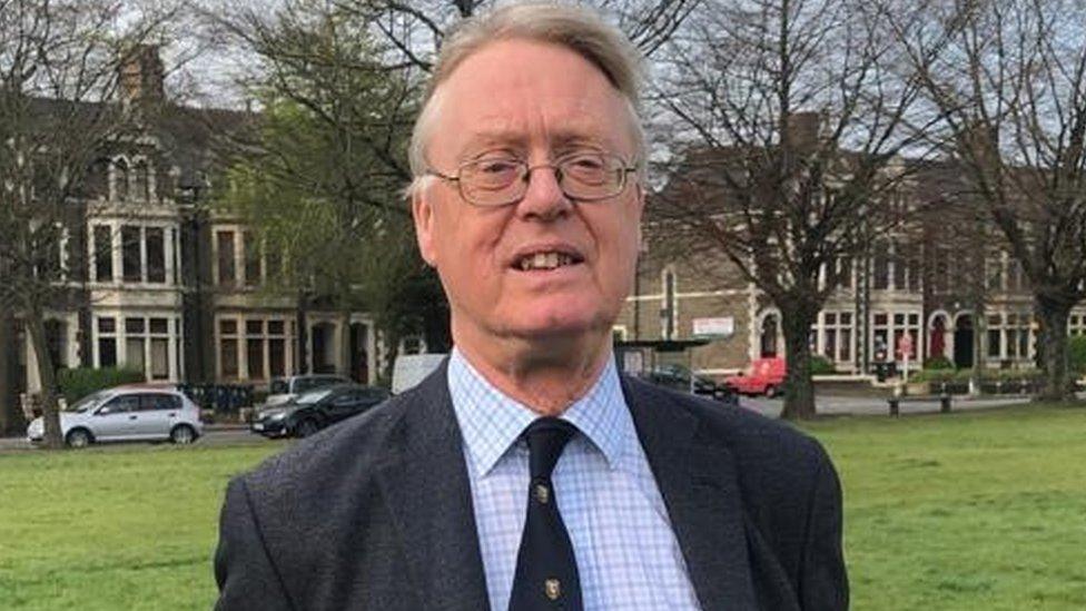 Nicola Sturgeon backs Mark Drakeford on Covid-19 travel restrictions within UK