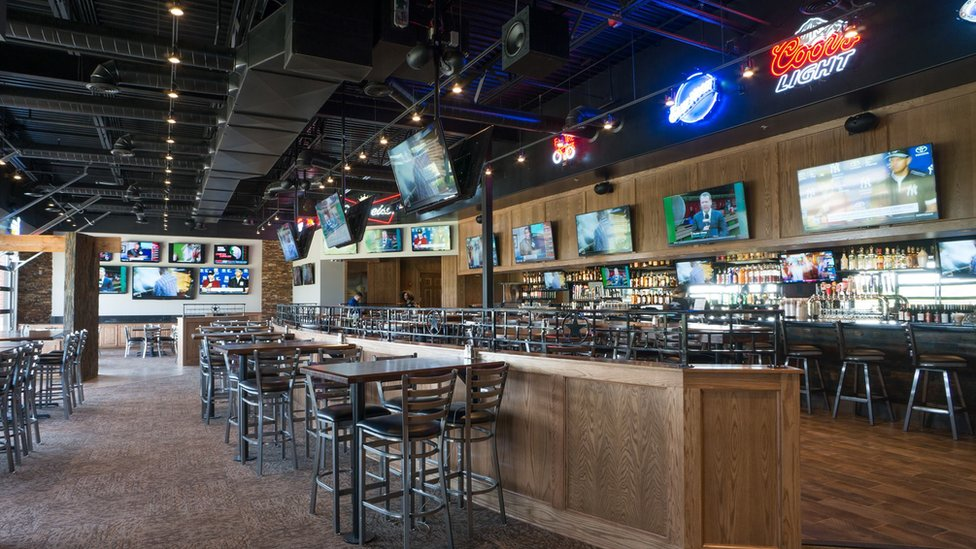 Austins Bar & Grill in Olathe
