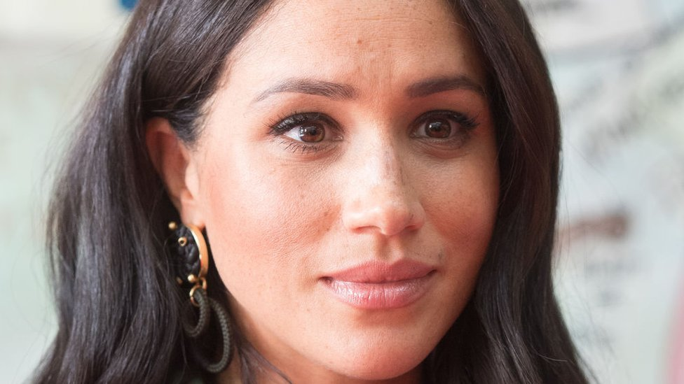 Meghan: Duchess of Sussex tells of miscarriage 'pain and grief' thumbnail