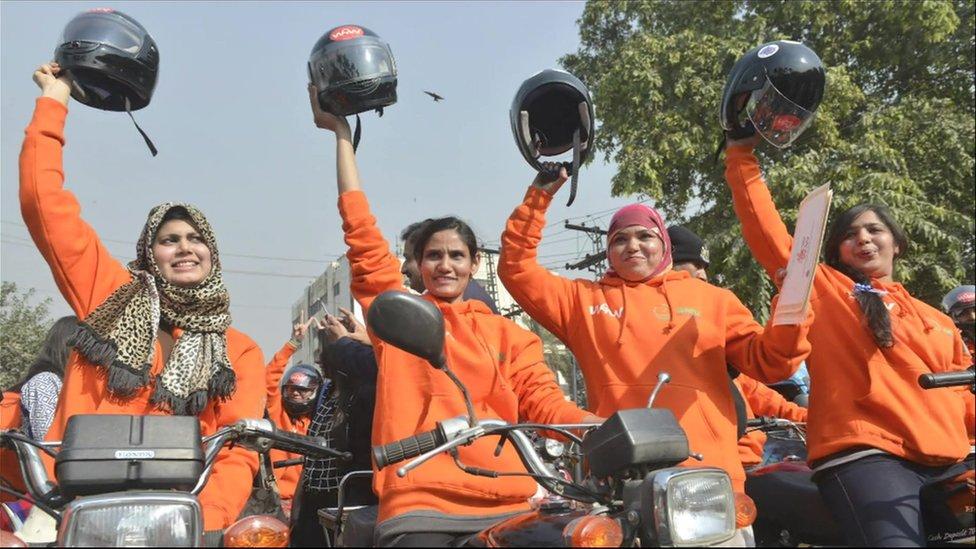 Members of Women on Wheels (WOW) in Punjab, Pakistan.
