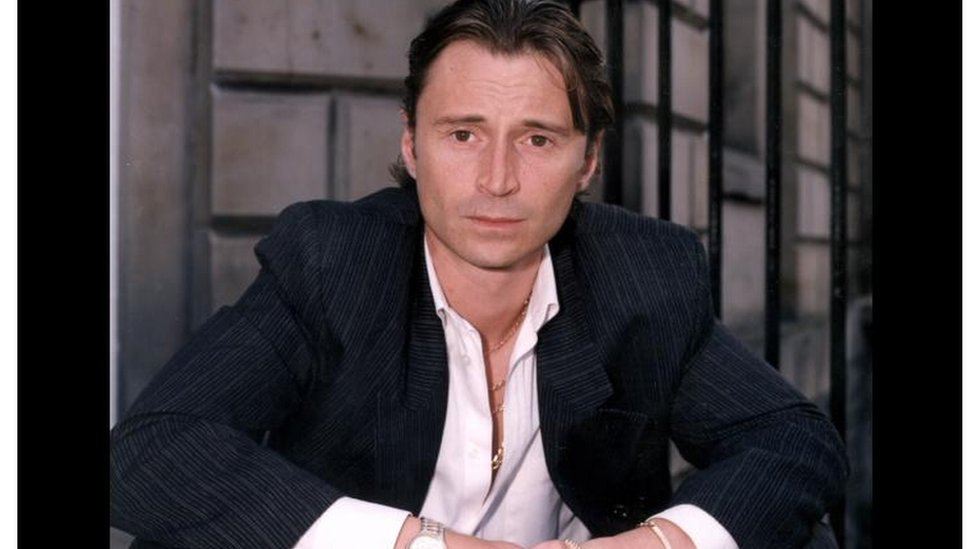 Robert Karlajl, glavni glumac u filmu Do gole kože