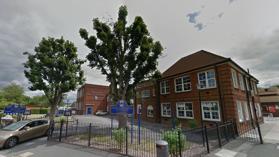 Kingston teacher banned for sex with student, 18