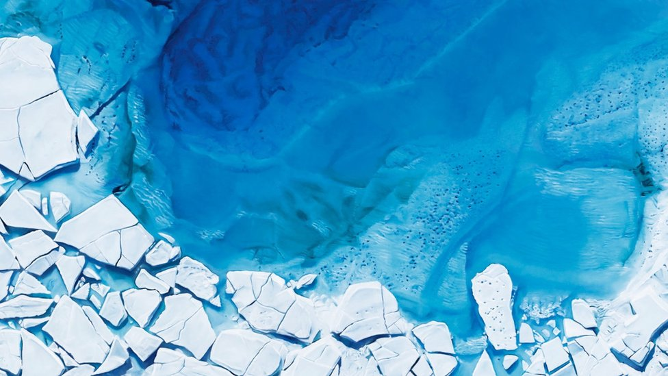 Look at these glaciers - photos or drawings?