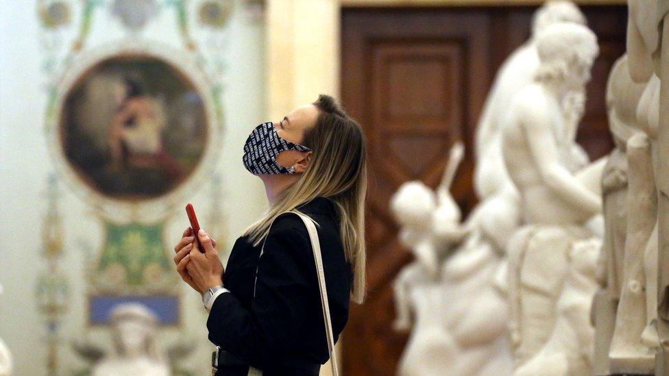 Петербург закроется на коронавирусный локдаун с 30 октября до 7 ноября