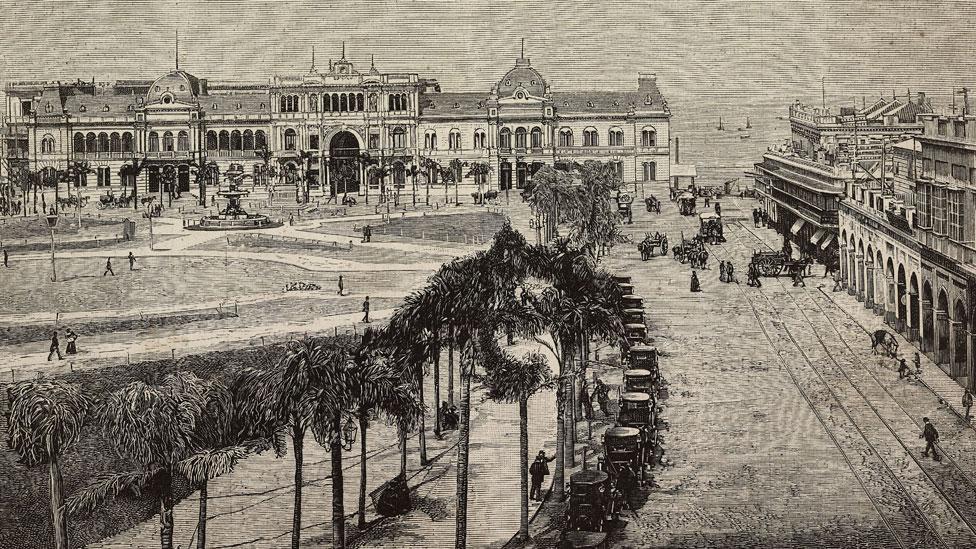 Buenos Aires en 1890: imagen de la Plaza de la Victoria (luego Plaza de Mayo).