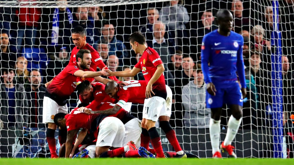 Chelsea 0-2 Man Utd: Ander Herrera and Paul Pogba give visitors victory