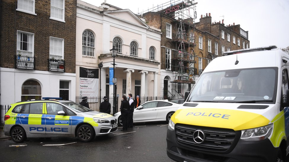 Islington baptism service halted by police due to lockdown rules thumbnail