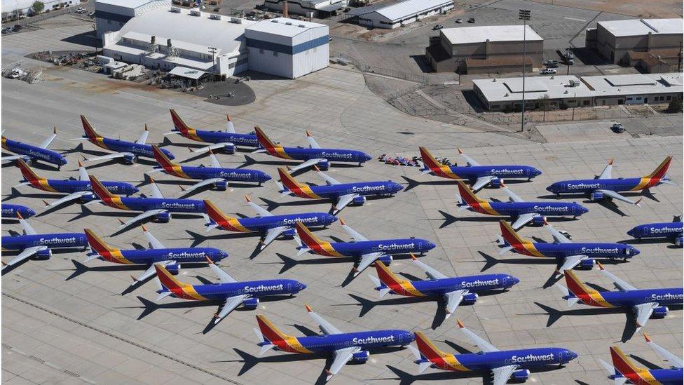 Pesawat Boeing 737 Max milik Southwest Airlines yang dilarang terbang, terparkir di Southern California Logistics Airport