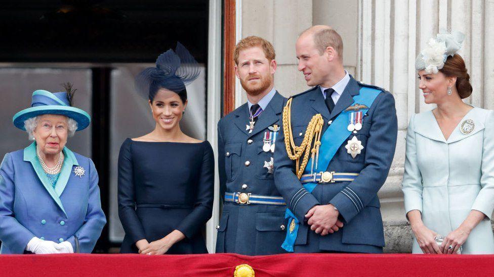 """2020年1月蘇塞克斯公爵和公爵夫人宣佈他們希望不再成為王室成員,將 """"努力 """"實現經濟獨立。"""